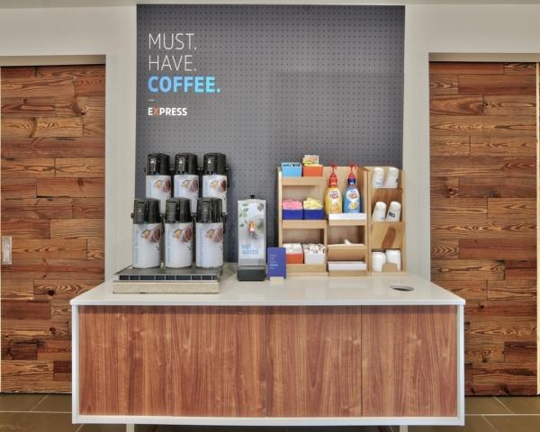 BREAKFAST ROOM COFFE